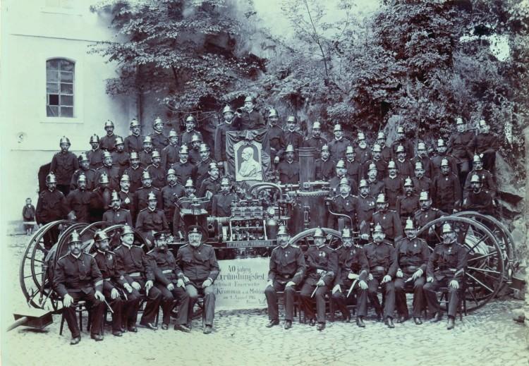 12.Josef Wolf - členové spolku dobrovolných hasičů, 1908 (Státní okresní archiv Č.K.)