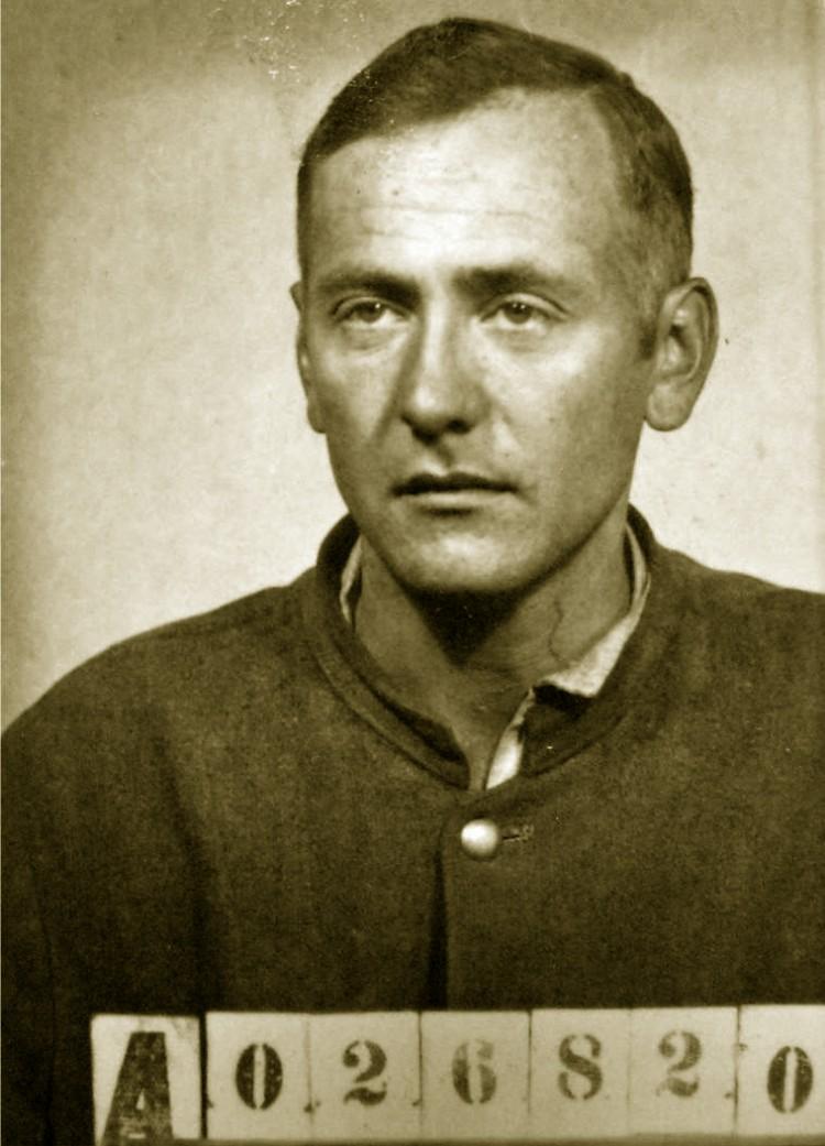 12. Josef Krnínský na vězeňské fotografii.