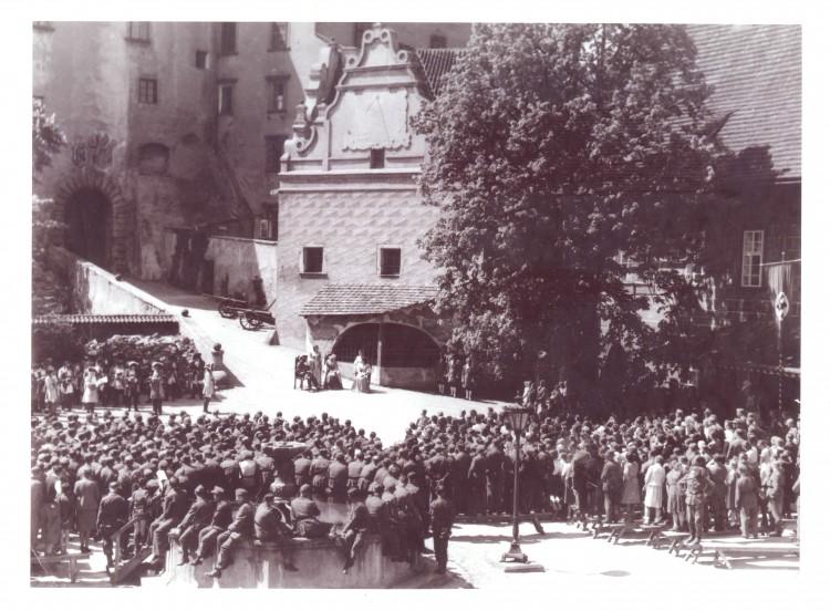 Představení hry Prinz von Homburg pro účastníky sjezdu Hitlerjugend